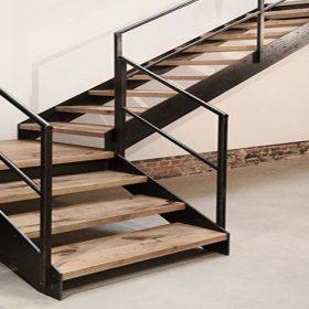 Ahşap Kaplı Çelik Z Tipi Merdiven