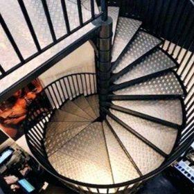 Dekoratif Döner Çelik Merdiven