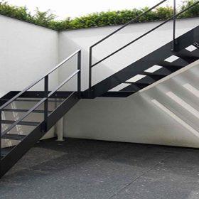Dekoratif Z Tipi Çelik Merdiven