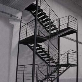 Paslanmaz Z Tipi Çelik Merdiven